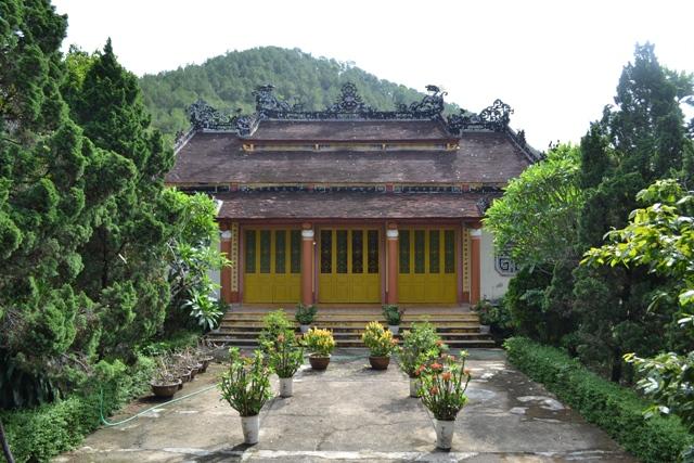 Thăm chùa Viên Thông